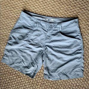 Mountain Hardwear Light Blue/Gray Shorts